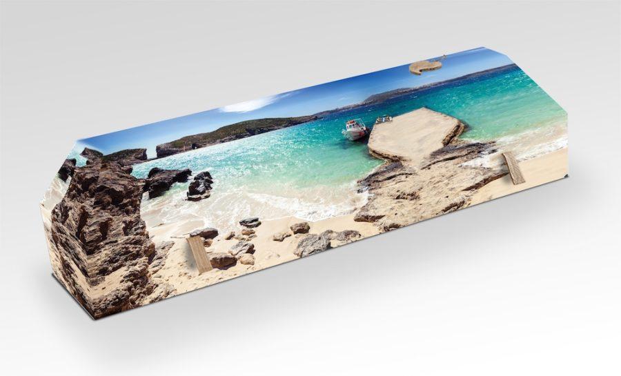 cercueil-en-carton-crique-plage
